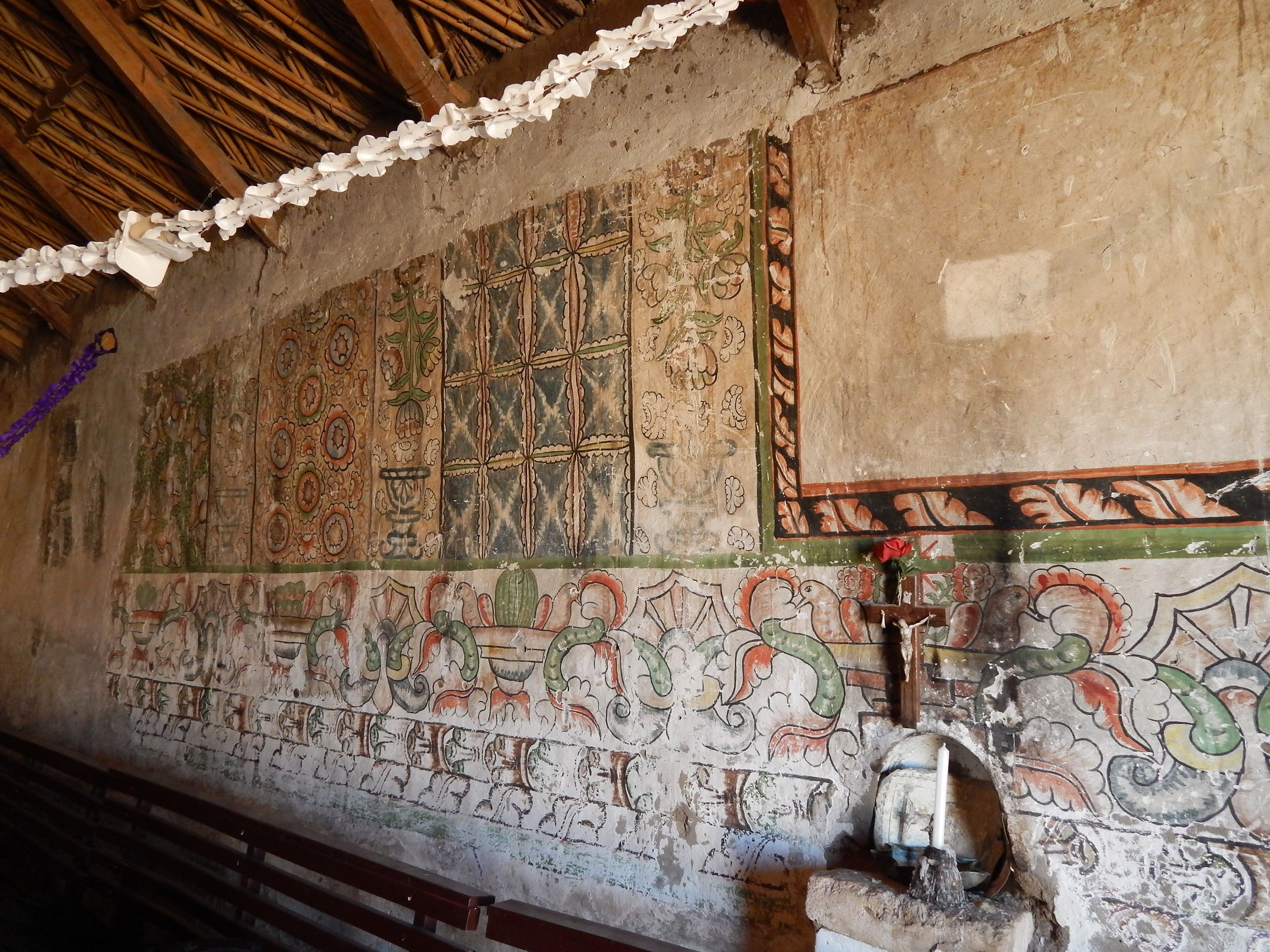 Fig. 22 Close-up of textile murals with frieze of flowerpots, birds, and flowers below. Church of Pachama, 18th century, Arica and Parinacota Region (Chile). Photo by author.