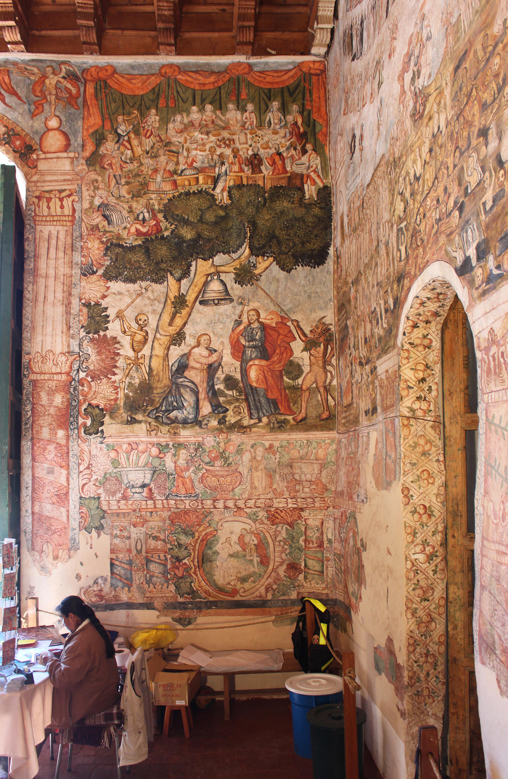 Fig. 42 View of Tree of Life contiguous with Last Judgment, 1802. Murals by Tadeo Escalante, Church of Huaro, Quispicanchi Province. Photo by author.