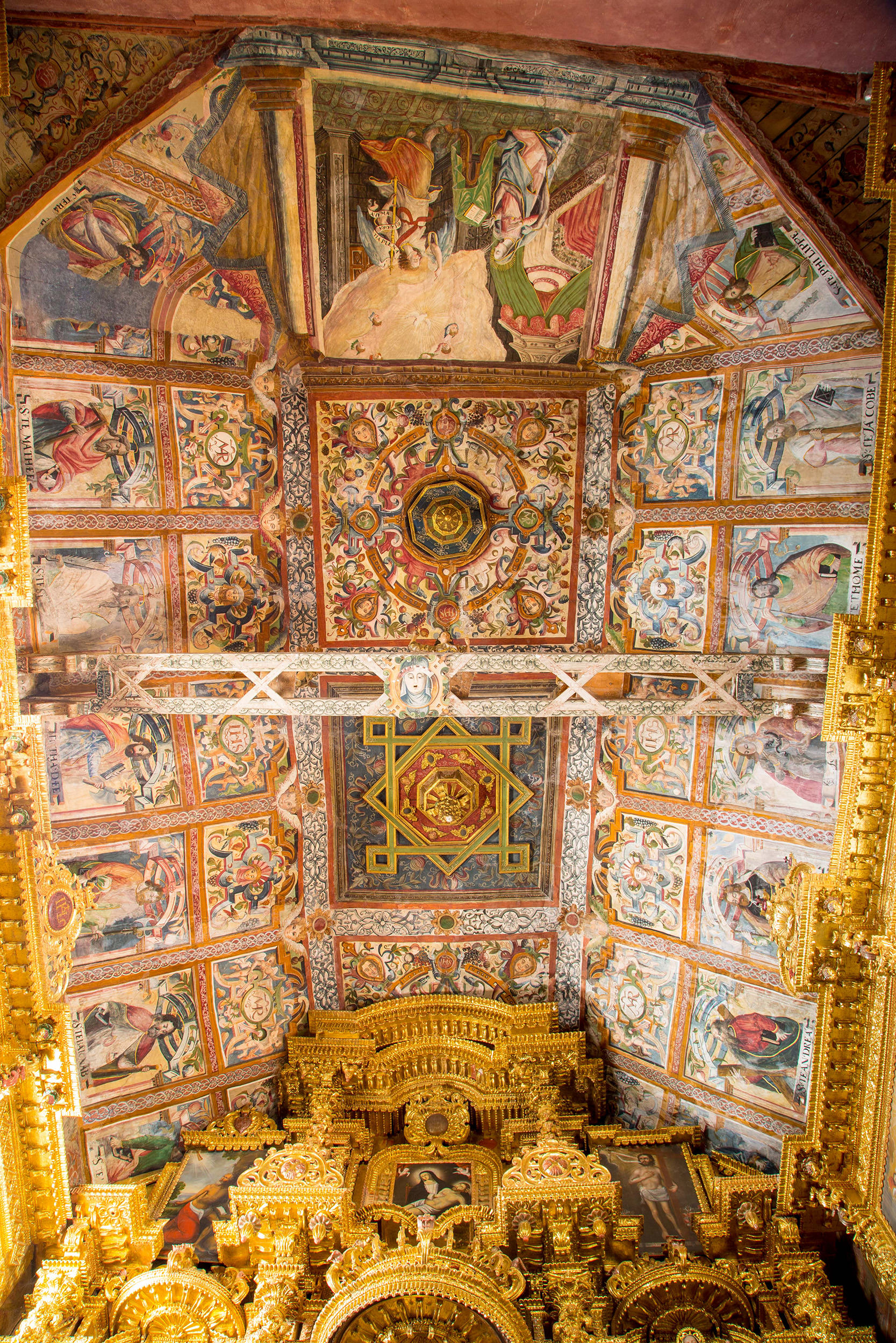 Fig. 8 Painted ceiling with a scene of the Annunciation and portraits of saints, Church of Checacupe, Canchis Province, 17th century. Photo by Raúl Montero Quispe.