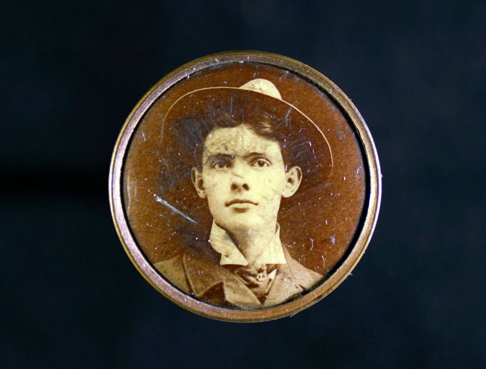 Fig. 4 Lapel button with missing clasp, Unidentified woman, metal, celluloid, and paper, ca. 1910. Author's collection. Digitized by John D. Northrip.